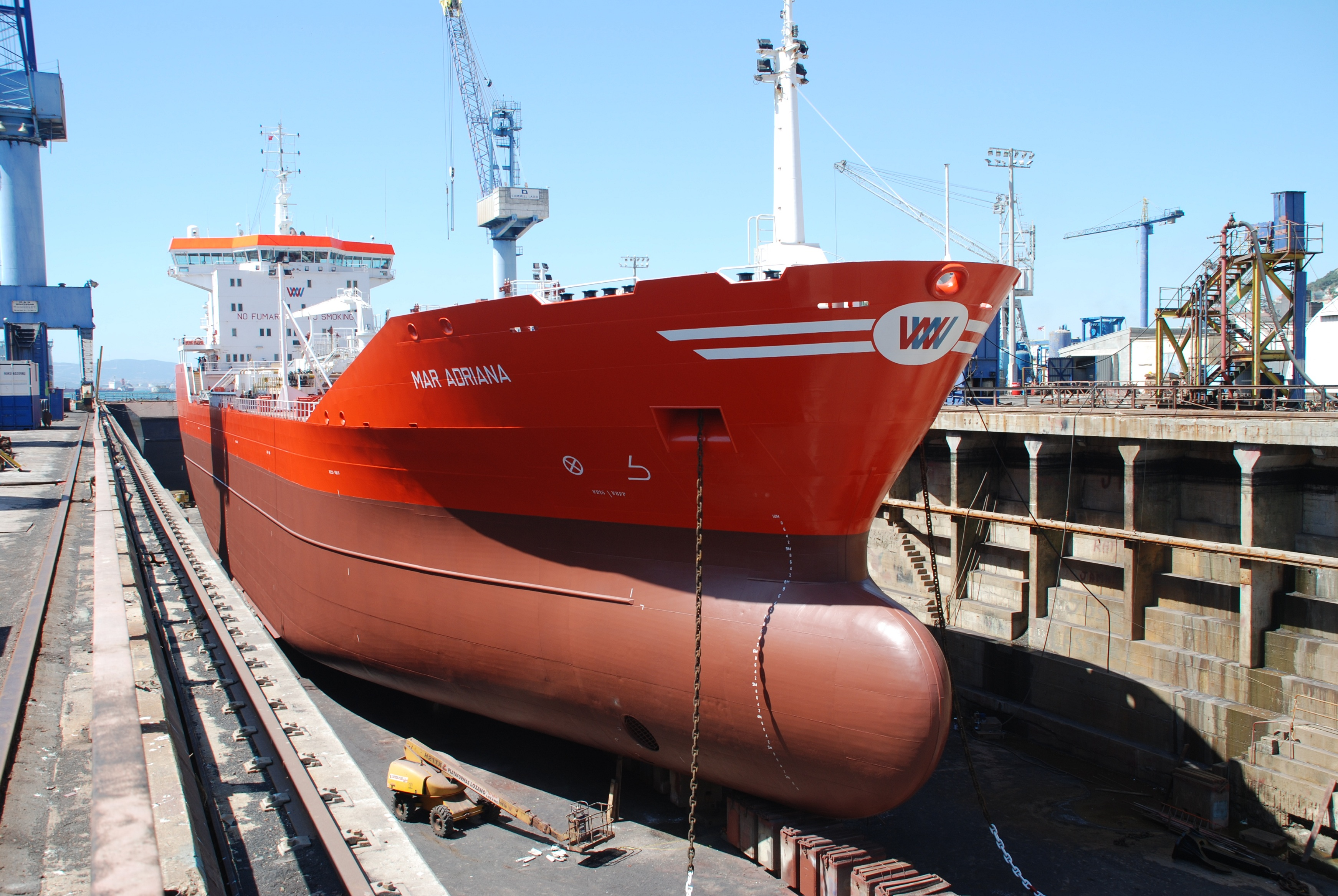 mar_adriana-9182796-oil-chemical_tanker-port_-_dry_dock-871